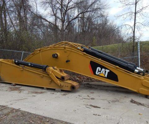 CAT 345D Boom